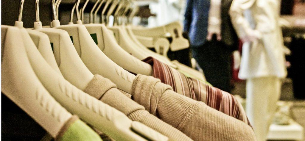 Les vêtements, les rois des soldes