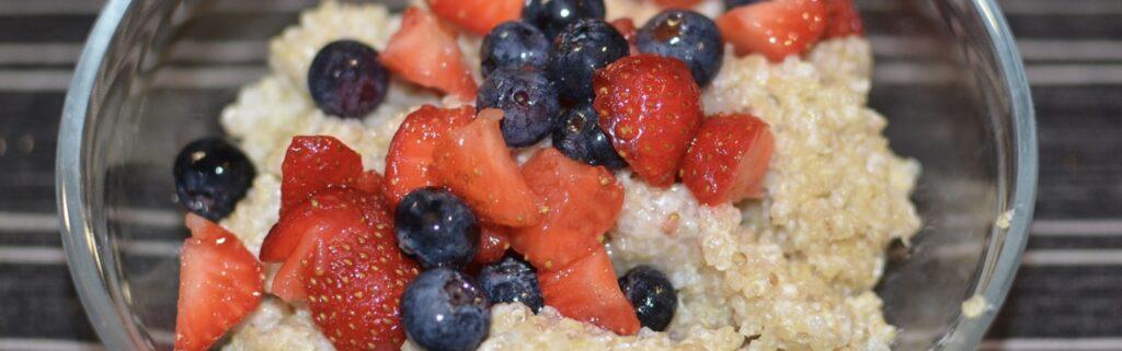 Du quinoa et des fruits