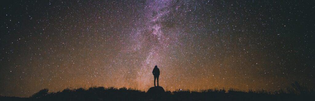 Regarder les étoiles