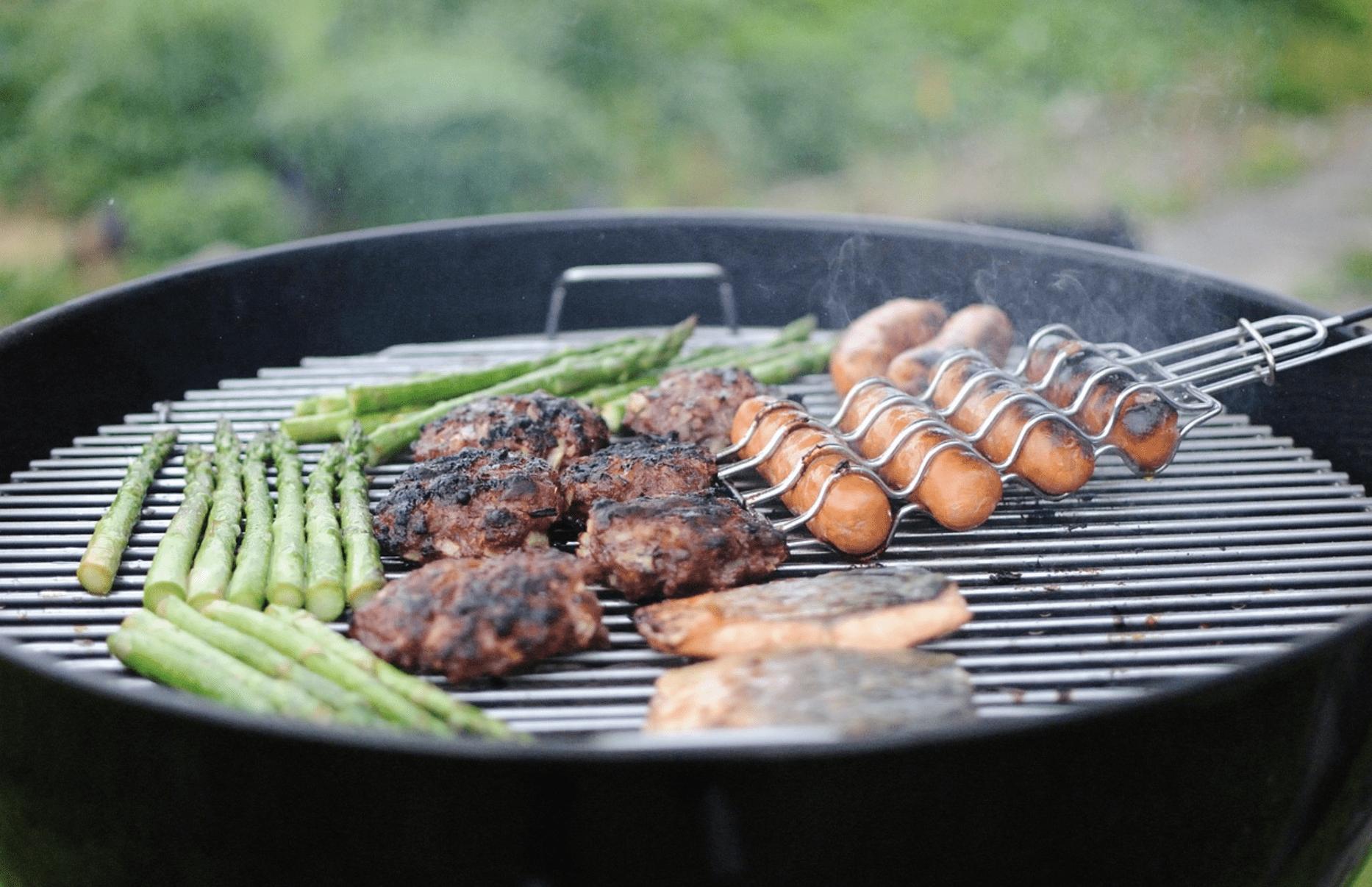 Le barbecue entre amis
