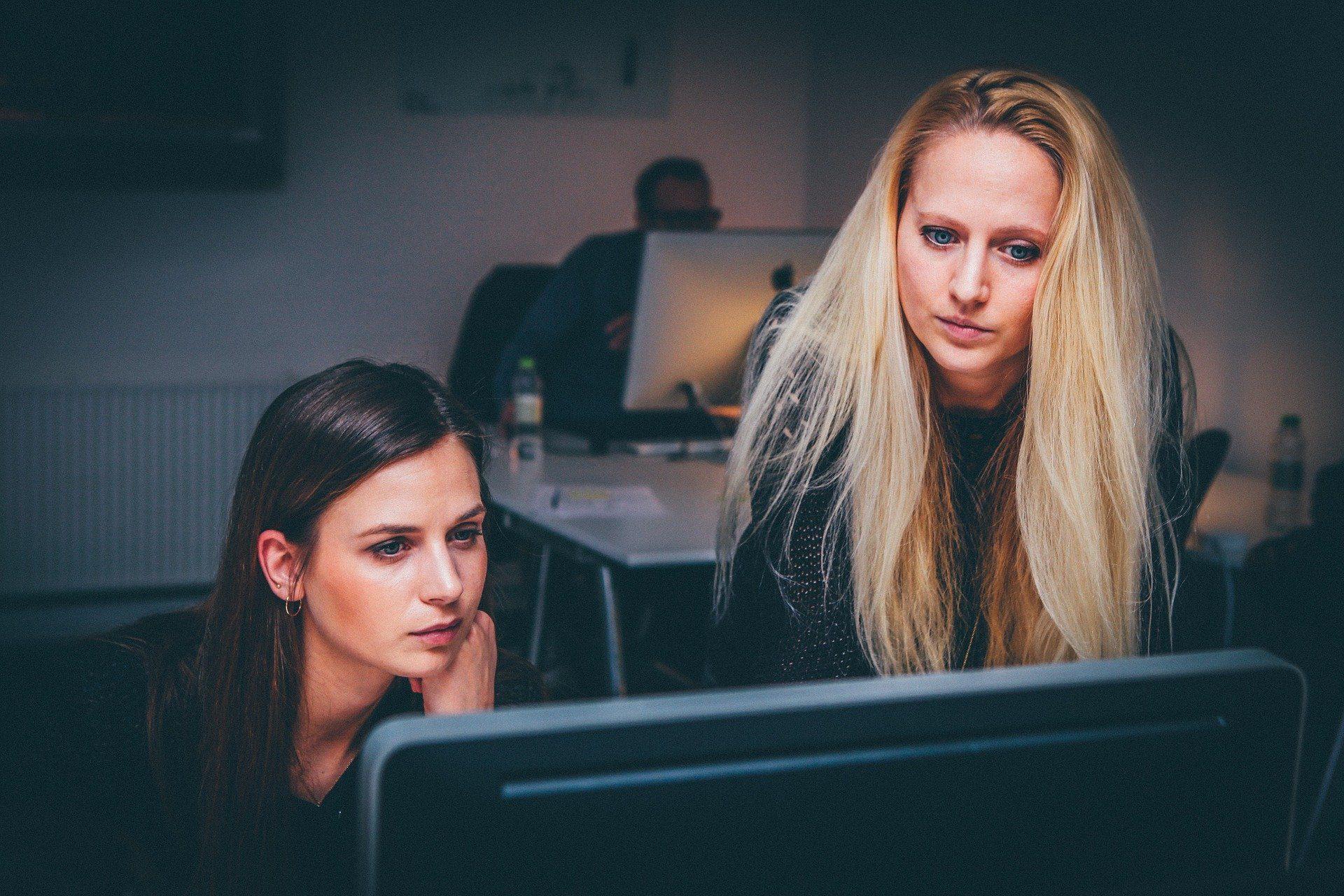 femmes au travail alternance