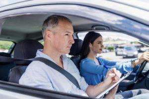 Apprendre à conduire dans une auto-école