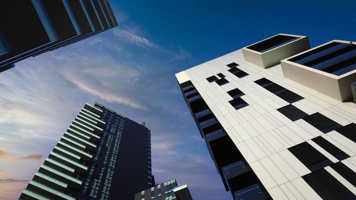 Pourquoi passer par une agence immobilière pour votre projet professionnel ?
