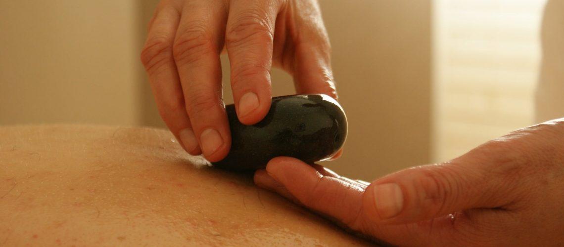 massage-389719_1920 (1)