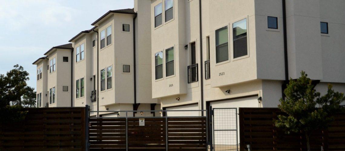 real-estate-3297625_1920