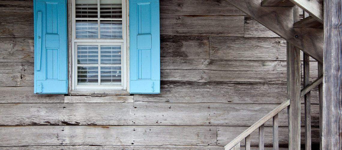 shutters-669296_1920 (1)